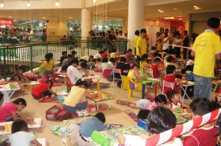Creative World of Colours Sdn Bhd organized Children Colouring ...